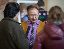 Vuntut Gwitchin First Nation Chief Bruce Charlie is interviewed prior to the hearing © Justin Van Leeuwen
